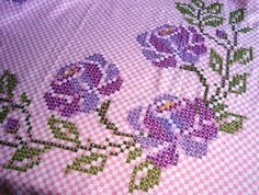 Pin by Tina Piacentini on embroidery Silk Ribbon Embroidery, Cross Stitch Embroidery, Hand Embroidery, Cross Stitch Patterns, Embroidery Designs, Chicken Scratch Patterns, Chicken Scratch Embroidery, Crafts For Girls, Hobbies And Crafts