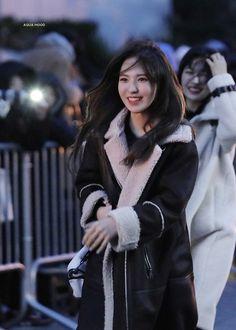368 Likes, 0 Comments - 𝚂𝚊𝚒° South Korean Girls, Korean Girl Groups, Red Valvet, Wendy Red Velvet, Kim Yerim, Seulgi, Airport Style, Olaf, Kpop Girls