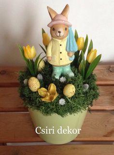Diy Osterschmuck, Macrame Chairs, Diy Ostern, Diy Easter Decorations, Easter Crafts, Happy Easter, Flower Arrangements, Diy And Crafts, Valentines