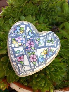 Small garden heart - vintage china