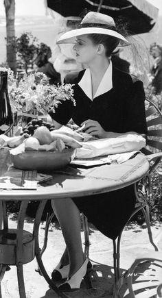 Ana Rosa, Bette Davis