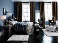 IKEA Österreich, Inspiration, Schlafzimmer, Beistelltisch ISALA, Tischleuchte JONSBO, Récamiere KIVIK, Bettwäscheset BENZY, Bettgestell HEMNES