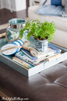 46 Awesome Coffee Table Tray Decor Ideas 40 Awesome Rustic Furniture and Decorating Ideas Coffee Table Vignettes, Coffee Table Tray, Coffee Table Styling, Cool Coffee Tables, Decorating Coffee Tables, Table Decor Living Room, Dining Room, Tray Decor, Table Decorations