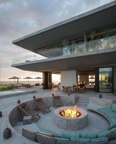 Crazy resort style resort in Puerto Vallarta, Me .- Crazy resort style resort in Puerto Vallarta, Mexico … - Puerto Vallarta, Vallarta Mexico, Dream Home Design, Modern House Design, My Dream Home, Modern Zen House, Cool House Designs, Flat Design, Urban Design