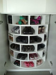 lazy susan for shoes & tons of other awesome ideas!  LOVE IT!