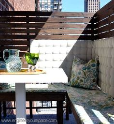 How to create an outdoor balcony dining area with DIY privacy panels and DIY benches: detailed video on how to build your own!