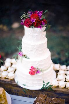 White rustic cake with flowers