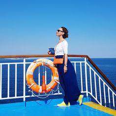 minibag the crossbodywallet Clutch, Mini Bag, Boat, Fun, Fashion, Handbags, Moda, Dinghy, Fashion Styles