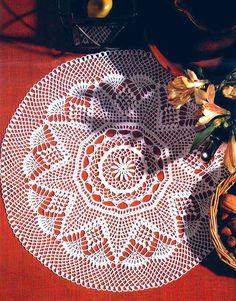 materiales: 40 gramos de hilo blanco; aguja de crochet nº 0.75 (ó bien nº 1.00 si suele trb. apretado).