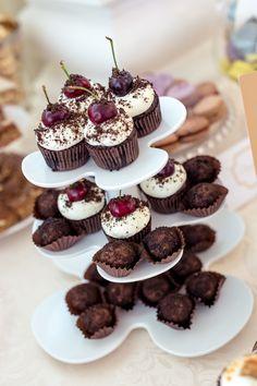 Mini Cupcakes, Vanilla, Events, Candy, Bar, Desserts, Food, Tailgate Desserts, Deserts