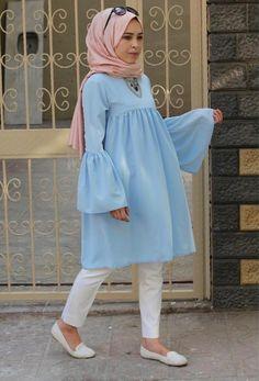 hijab jeans jeans Cute hijab outfits in light blue color – Just Trendy Girls: www. Casual Hijab Outfit, Hijab Chic, Islamic Fashion, Muslim Fashion, Moda Hijab, Hijab Jeans, Hijab Style Dress, Mode Abaya, Hijab Fashionista