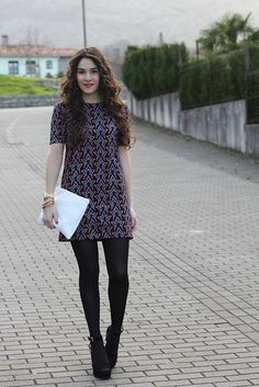 Candela Cuetos - - I encuentro Beauty Asturias Chic Outfits, Dress Outfits, Fall Outfits, Fashion Outfits, Zooey Deschanel, Taylor Swift, Colour Combinations Fashion, Capsule Wardrobe Work, Pantyhose Outfits