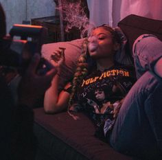 stoner babes are the chillest Boujee Aesthetic, Badass Aesthetic, Black Girl Aesthetic, Aesthetic Pictures, Fille Gangsta, Soft Ghetto, Thug Girl, Hood Girls, Smoke Photography