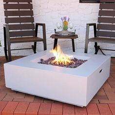 Add a fabulous look to your home with Sunnydaze Decor Contempo Square Fiberglass or Reinforced Concrete Propane Gas Fire Pit with Outdoor Cover and Lava Rocks. Propane Fire Pit Table, Fire Table, Fire Pit Wayfair, Fire Pit Uses, Rustic Outdoor Decor, Outdoor Ideas, Outdoor Projects, Metal Fire Pit, Outdoor