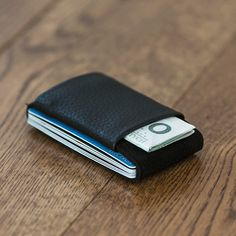 Slim wallet small wallet men's and women's by ElephantWallet Diy Wallet, Pocket Wallet, Small Wallet, Slim Leather Wallet, Leather Men, Leather Jackets, Pink Leather, Modern Wallet, Men Accessories