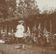 "Grand Duchess Maria Nikolaevna Romanova of Russia at Peterhof Park in 1907. ""AL"""