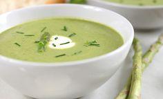 Voici la recette de la soupe aux légumes verts légère, elle vous fera brûler des calories plus que ce qu'elle vous en procurera.