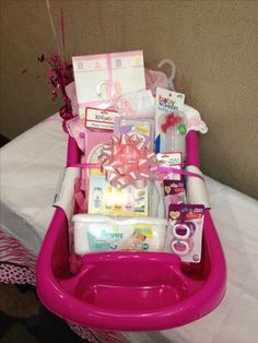 Diy baby shower gift basket ideas for girls baby shower gift 35 diy baby shower gift basket ideas solutioingenieria Images