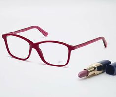 Simple design for an essential shape. Eyeglasses WE5134.