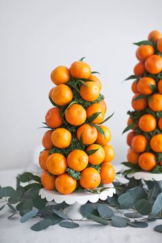 Mandarin Tower Table Centerpieces - A Beautiful Mess Orange Table, Orange Party, Buffet, Noel Christmas, Table Centerpieces, Quinceanera Centerpieces, Wedding Centerpieces, Table Decorations, Beautiful Mess