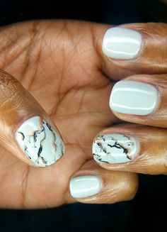 Grey and gold marble effect shellac