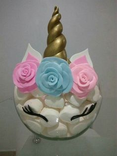 Perfecto para una fiesta infantil, unicorn center piece great for lularoe events or any unicorn themed party that could use an inexpensive diy creative idea for a unicorn centerpiece party decorations 1st Birthday Parties, Birthday Party Decorations, Birthday Ideas, Diy Birthday, Girl Parties, Cake Decorations, Birthday Cake, Pyjamas Party, Unicorn Themed Birthday