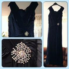 Tadashi  Dresses & Skirts - Gorgeous Tadashi royal blue dress