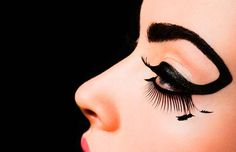 80 Intense Eyeliner Editorials - From Guyliner to Distressed Cat-Eye Photography (CLUSTER)