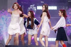 272C533A55F8016F09C501 (1500×1000) Yoona, Snsd, Bridesmaid Dresses, Wedding Dresses, Seulgi, Girls Generation, Red Velvet, Handsome, Pretty