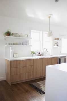 Modern Kitchen Design – Want to refurbish or redo your kitchen? As part of a modern kitchen renovation or remodeling, know that there are a . Kitchen Ikea, Modern Kitchen Cabinets, Kitchen Countertops, Kitchen Dining, Kitchen Decor, Gray Countertops, Kitchen White, Wooden Kitchen, Wood Cabinet Kitchen