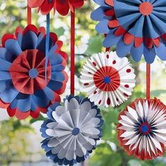 20 Easy of July Crafts - Patriotic Craft Ideas & DIY Decorations for Fourth of July These patriotic crepe paper flowers can be hung from your porch ceiling, backyard trees, or even an entryway. Decorations can be quite so innovative. 4th July Crafts, Patriotic Crafts, Patriotic Party, 4. Juli Party, 4th Of July Party, Fourth Of July, Paper Rosettes, Paper Flowers, Crepe Paper