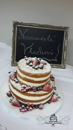 Naked cake wedding cake