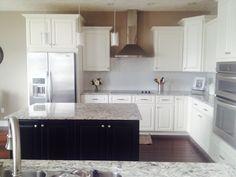 2 tone kitchen cabinets white and dark