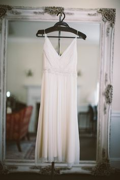 Short & chic! For a stylish bride like Jessica, a short wedding dress like HB6722 is a perfect fit! Stay tuned for her classy backyard wedding to Jonathan captured by Documentary Associates