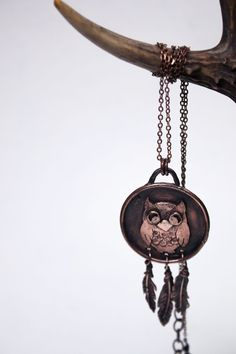 Eye-catching, spirit animal unisex necklace made entirely by hand from copper sheet and wire. Cuted and soldered, patinated and polished. The owl spirit animal is emblematic of a deep connection with wisdom and intuitive knowledge. If you have the owl as totem or power animal, you're likely to have the ability to see what's usually hidden to most. When the spirit of this animal guides you, you can see the true reality, beyond illusion and deceit. The owl also offers for those who have it a…