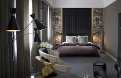 8 Tricks Designers Use For an Expensive-Look Master Bedroom | See more at http://homedecorideas.eu/interior-decoration/bedroom/tricks-designers-use-expensive-look-master-bedrooms/ | #decorations #homedecor #homedecorideas #homeinterior #interiordesign #masterbedroom #bedroom #bedroomdecor