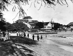 Moana Surfrider - 1920s. (This is the hotel we stayed in on Oahu...it is Honolulu's original hotel....slj)