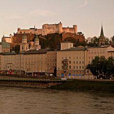 https://flic.kr/p/ebjwJA   Vuelvo a Salzburgo -  I return to Salzburg   El 17 de abril,día de mi cumpleaños,espero celebrarlo en esta hermosa ciudad. Hasta la vuelta,queridos amigos. (Fotografía hecha con el móvil) April 17th, my birthday's day, I hope to be celebrating it at this beatifult city.  See you after my friends!.  SALZSBURGO-AUSTRIA  Please don't use any of my images on websites, blogs or other media witthout my explicit permission . All rights reserved  Por favor no utilice de…