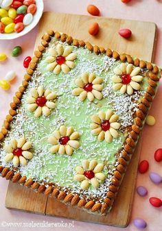Mazurek – Polish Easter Cake - This looks so good. The English translation is a little rough, but I'm going to give it a try! Easter Dinner, Easter Brunch, Polish Easter Traditions, Easter Recipes, Dessert Recipes, Polish Recipes, Polish Food, Occasion Cakes, Cookies