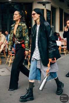 Maud Escudié and pal between the style exhibits. The submit Paris SS 2020 Street Style: Maud Escudié and friend appeared first on STYLE DU MONDE Fashion Week, Look Fashion, Fashion Photo, Korean Fashion, Fashion Outfits, Fashion Design, Fashion Trends, Classy Fashion, French Fashion
