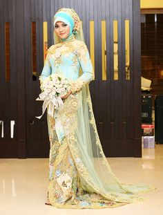Having a Muslim Wedding? As many other brides, I'm sure you are looking for that perfect Muslim Wedding Gown. Well, there are certain things you need to know about Muslim wedding dresses. Dubai Wedding Dress, Muslim Wedding Gown, Arabic Wedding Dresses, Wedding Hijab, Wedding Dresses 2014, Wedding Dress Styles, Bridal Dresses, Wedding Gowns, Iranian Wedding