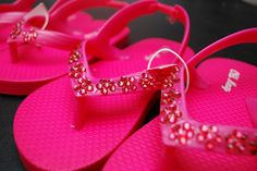 A quick and easy way to rhinestone shoes!