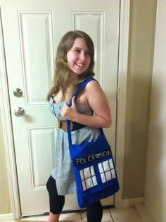 DIY Tardis Purse - I'd use a different material, and I'd line it, but awesome!