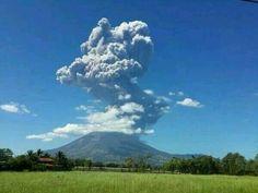 Erupción #Volcán #Chaparrastique San Miguel,  El Salvador