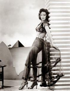 Vintage Glamour Girls: Karen Booth