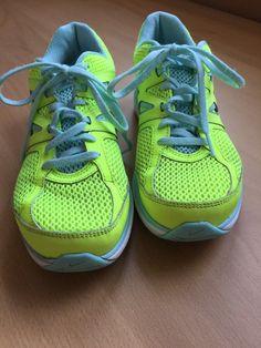 Nike Dual Fusion Lite Womens Size 8 Neon Yellow