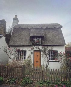 1012 best cottages havens and treehouses images in 2019 my dream rh pinterest com