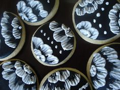embroidered royal icing flowers
