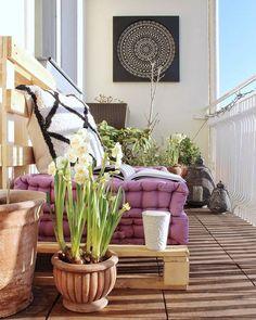 Un balcón pequeño con la decoración adecuada puede convertirse en el mejor rincón de casa💕✨ 📸@rabobsen #MiEstiloWestwing #WestwingES…