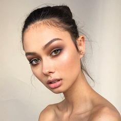 smokey dewy makeup